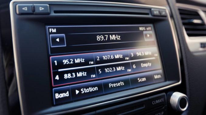 Autoradio mit Bildschirm bis 100 Euro Beitragsbild