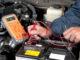Wie lange hält die Autobatterie, wenn das Autoradio an ist (Motor aus)?