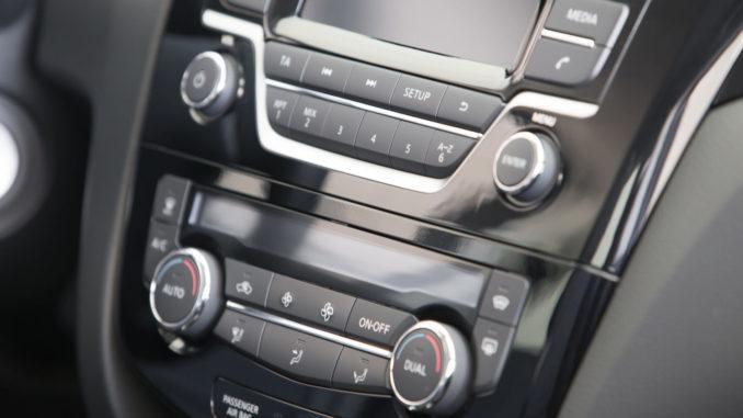 Wo steht der Code vom Autoradio?