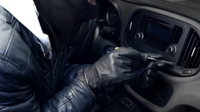 Diebstahl von Autoradio